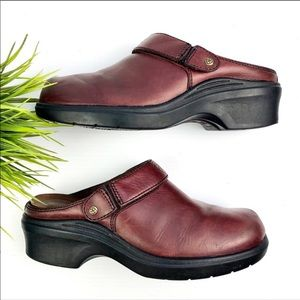 Ariat 93807 Burgundy Leather Sling Back Clogs